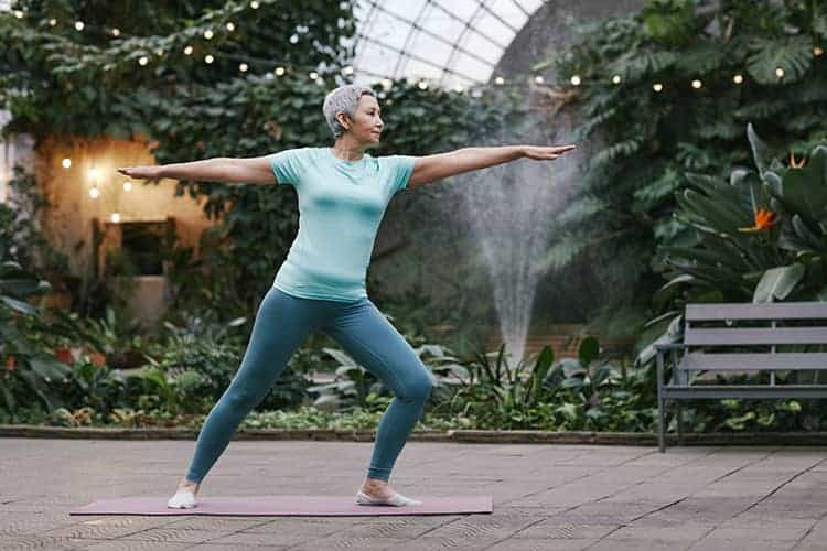 How to combine cannabis and yoga